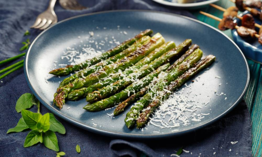 With the right combination of seasonings, sous vide asparagus will become one of your favorite dishes.