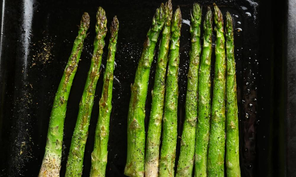 Drizzled with olive oil, sous vide asparagus has a sensational and full flavor.