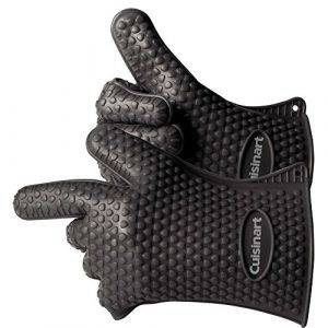 These glovescan withstand heat up to 425 degrees Fahrenheit so they're safe to use with sous vide hot water baths.
