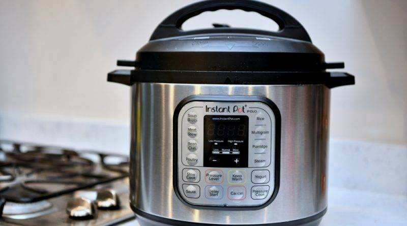 SousVidevs. Pressure Cooking: What's The Difference?