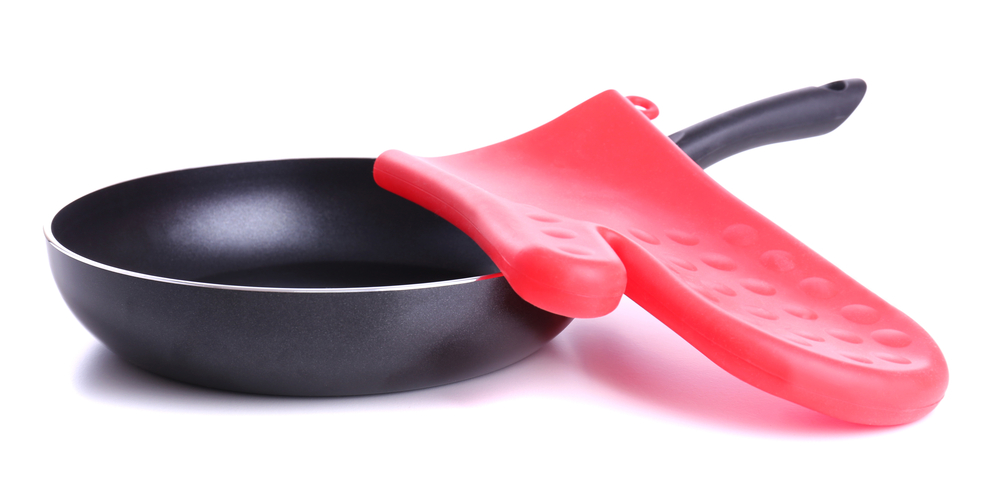 Oven mitts are made of many different types of material and one choice is silicone. Let's take a look at the most popular brands of silicone oven mitts.