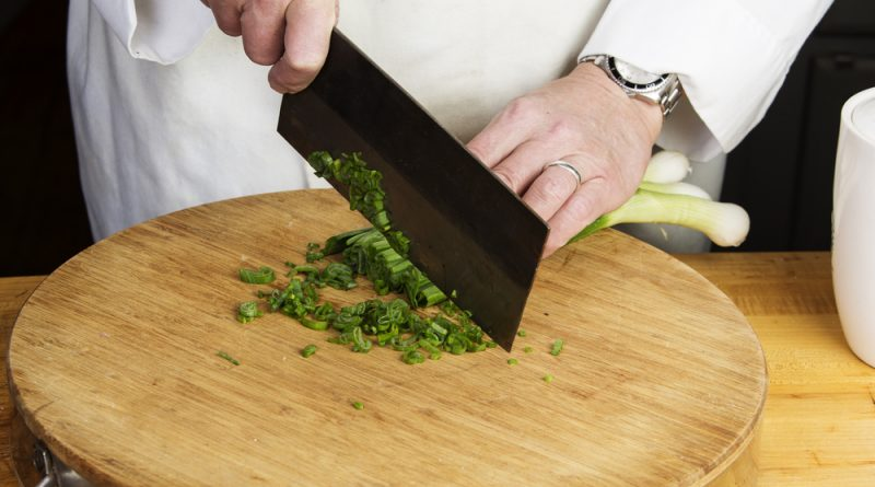 There are a lot of options out there when shopping for a vegetable cleaver, which is why we've taken the time to compile a list of 6 products we recommend.