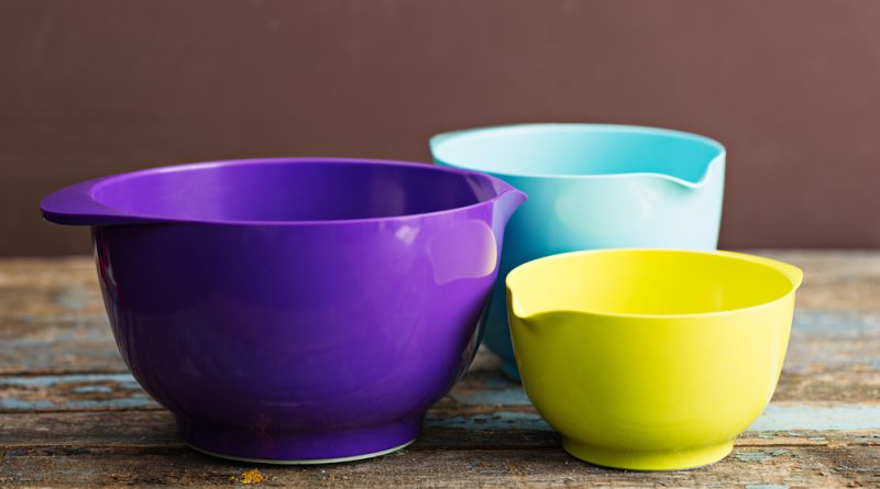 It's time to mix it up! If you need the right kitchen utensils, don't forget bowls. Here are our picks for the best mixing bowl sets.